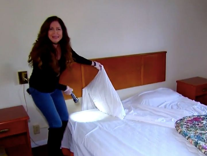 Investigative reporter Lisa Guerrero checks out motel rooms in Minneapolis and St. Paul before the Super Bowl.