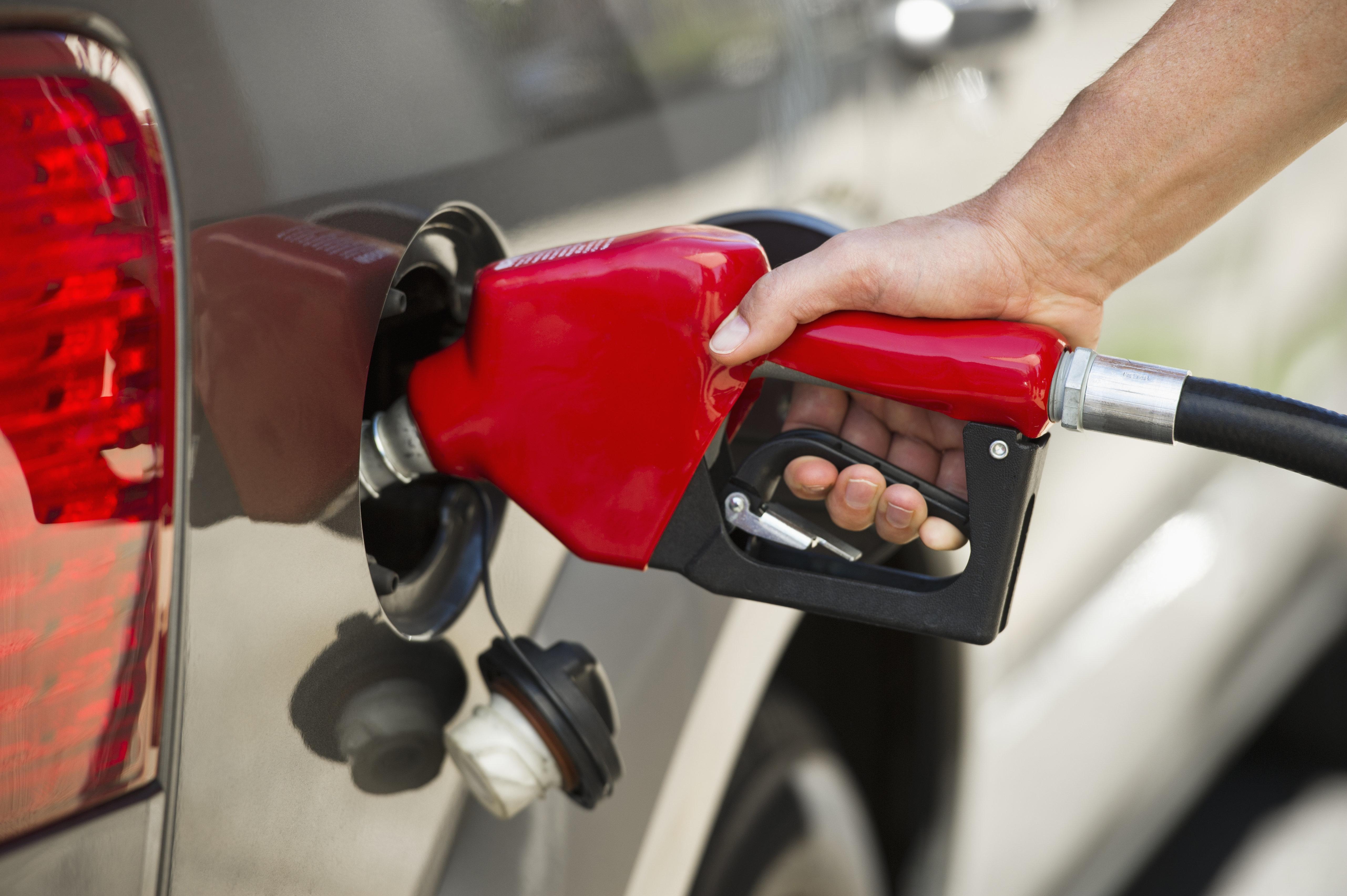 Την 5η πιο ακριβή βενζίνη στον κόσμο έχει η