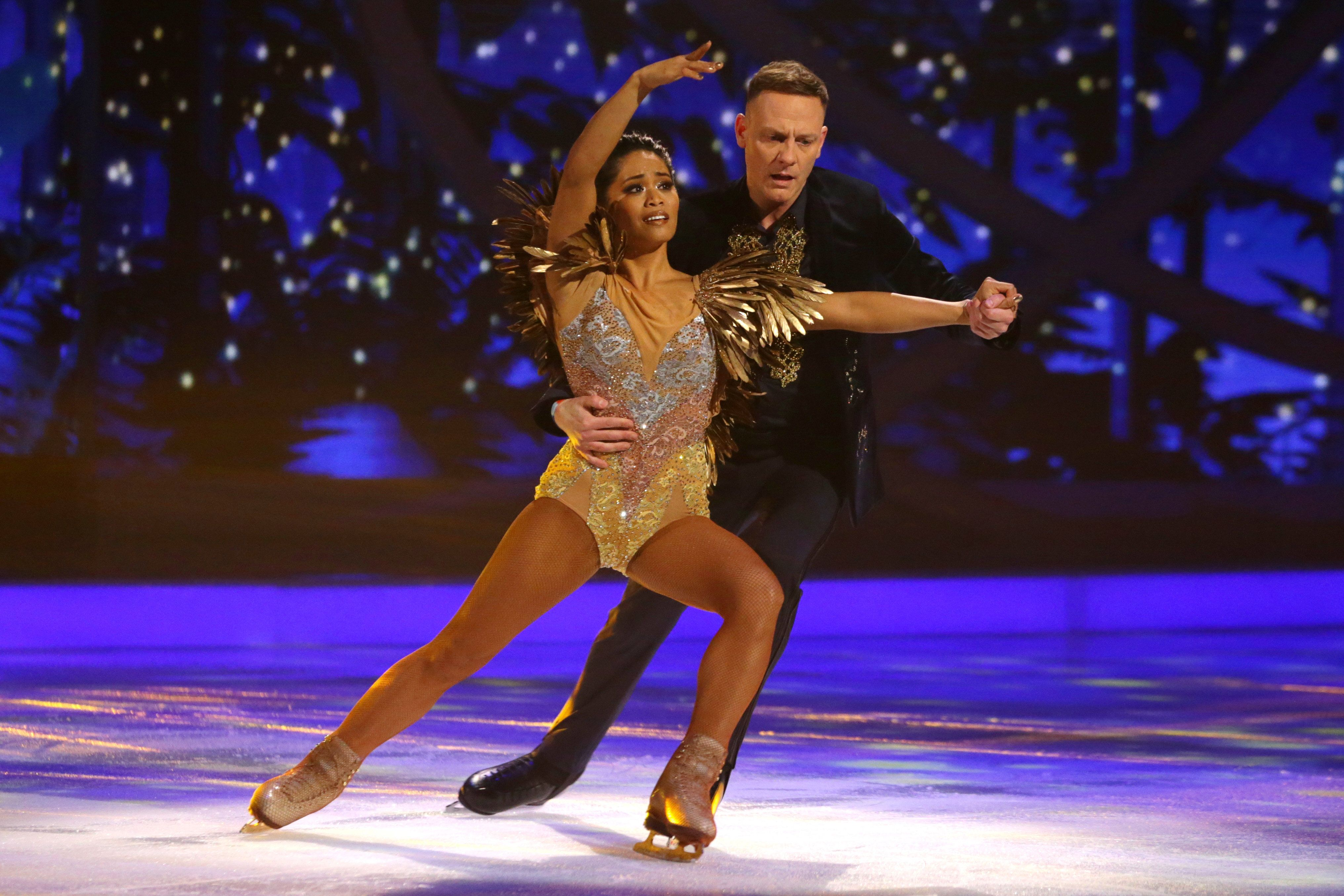 'Dancing On Ice' Star Antony Cotton Fractures Ribs After Falling During