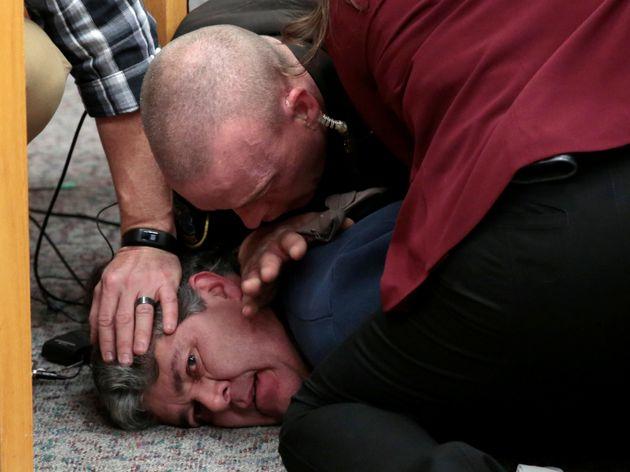 ΗΠΑ: Πατέρας θύματος επιτέθηκε στον πρώην γιατρό της ενόργανης που κακοποίησε σεξουαλικά δεκάδες
