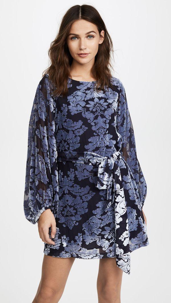 "<strong><a href=""https://www.shopbop.com/bellflower-dress-yumi-kim/vp/v=1/1572417013.htm"" target=""_blank"">Yumi Kim printed ve"