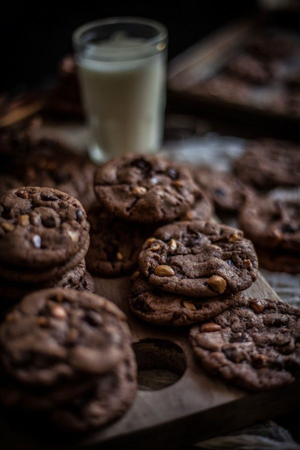 """<strong>Get the <a href=""""http://www.adventures-in-cooking.com/2013/09/malted-hazelnut-nutella-chocolate-chip.html"""" target=""""_b"""