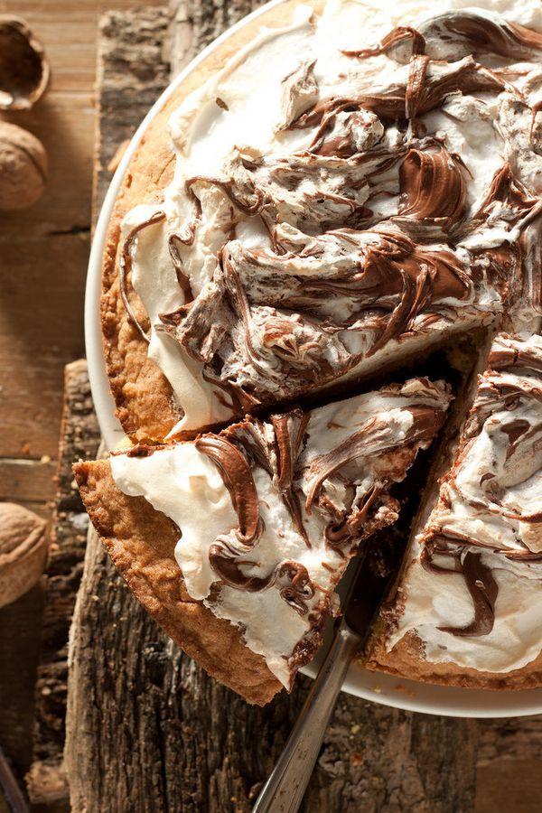 "<strong>Get the <a href=""http://en.julskitchen.com/dessert/tuscan-nutella-and-meringue-tart"">Tuscan Nutella And Meringue Tart"