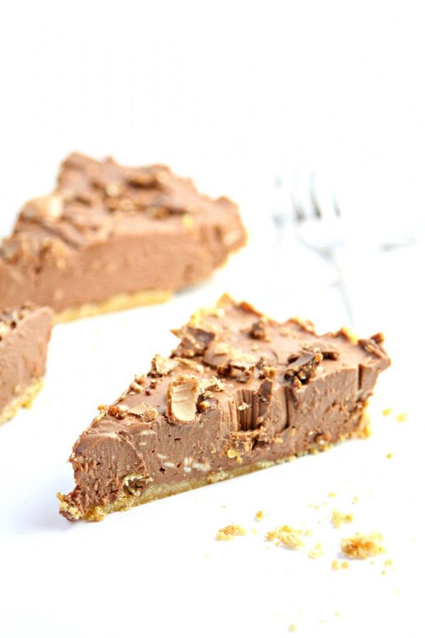 """<strong>Get the <a href=""""http://www.bellalimento.com/2014/08/08/no-bake-nutella-cheesecake/"""" target=""""_blank"""">No Bake Nutella"""
