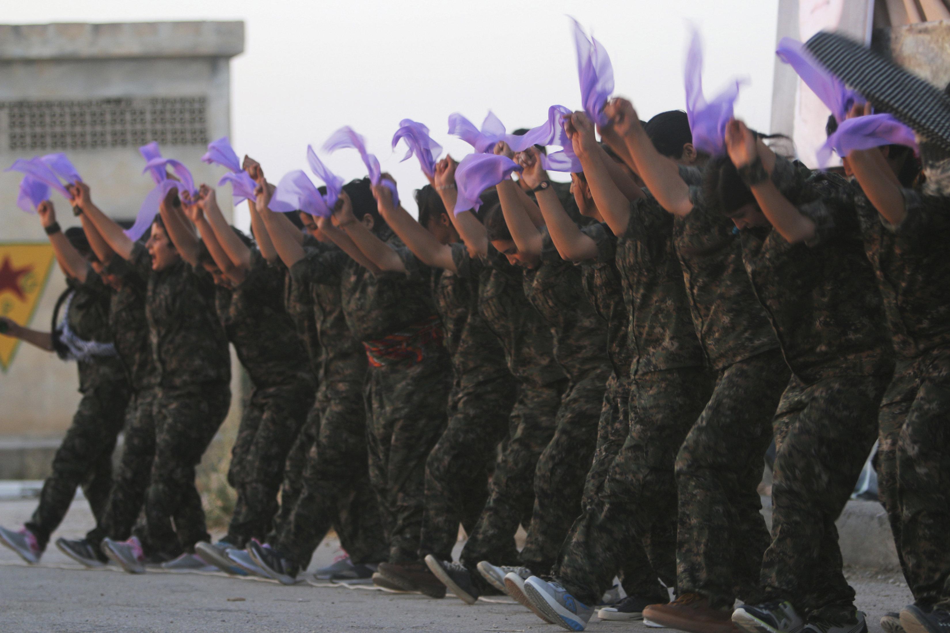 Συρία Κούρδοι καταγγέλλουν κτηνωδία σε βάρος νεκρής μαχήτριάς τους από φιλότουρκους αντάρτες