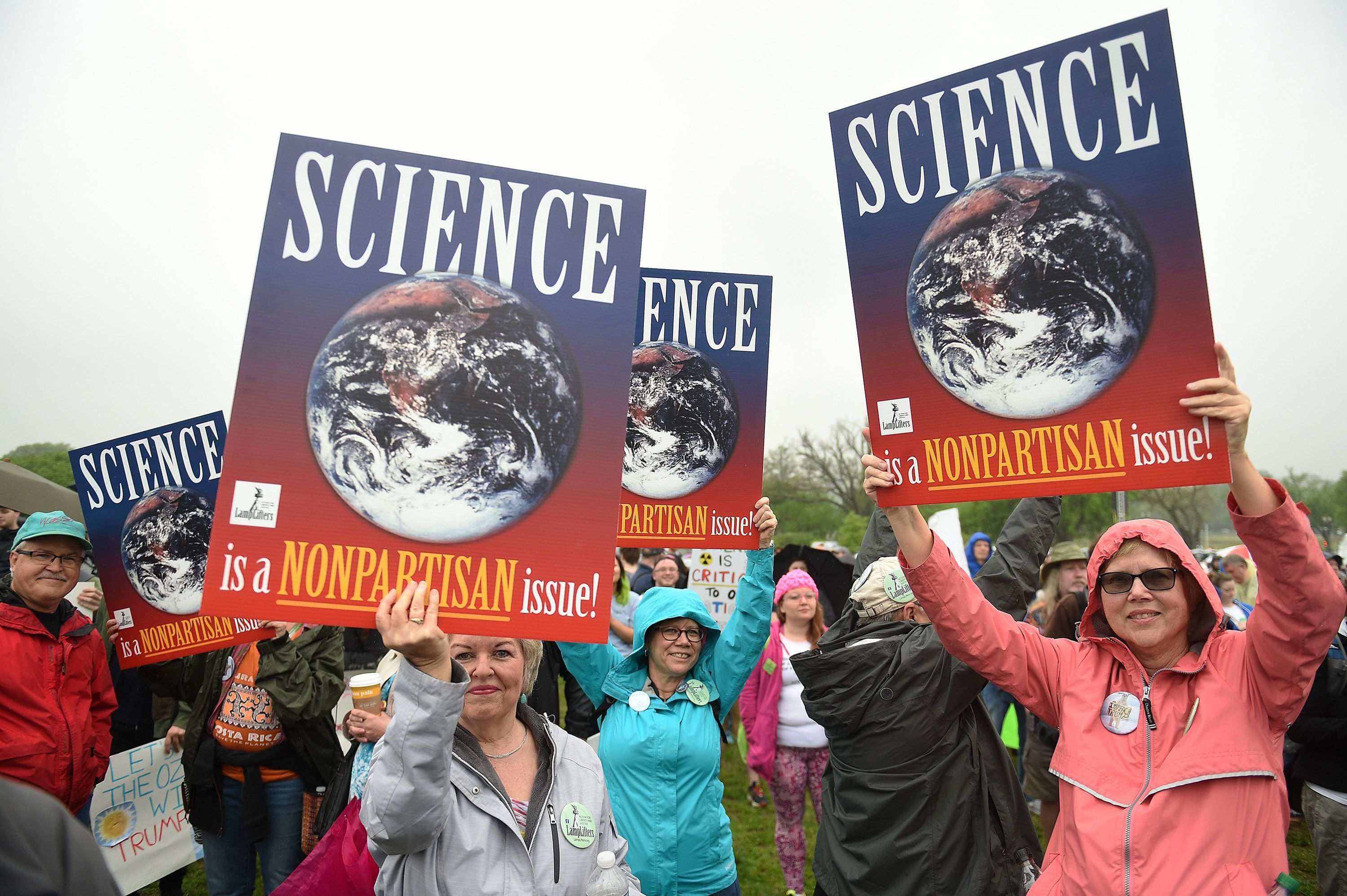WASHINGTON, DC - APRIL 22: Participants in the Science March on Washington gather at the Washington Memorial before marching to the US Capitol in Washington, D.C, April 22, 2017.  Demonstrators focused their protest on President Trump's anti-science agenda and the dismantling of the Environmental Protection Agency. (Photo by Astrid Riecken For The Washington Post via Getty Images)