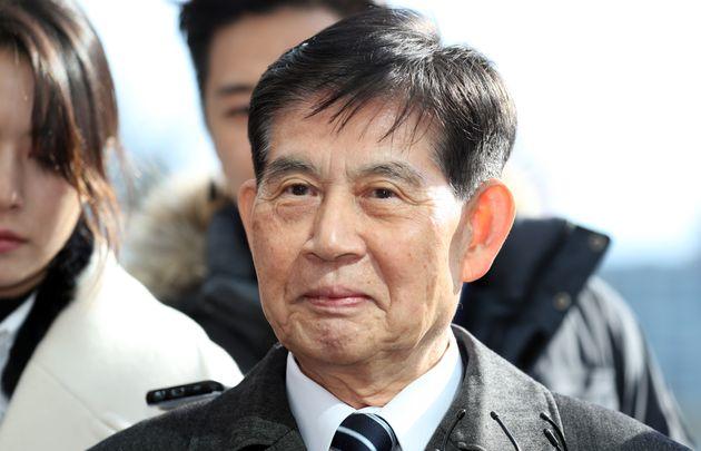 정호영 BBK 특검이 검찰에 출석하며 기자들에게 한