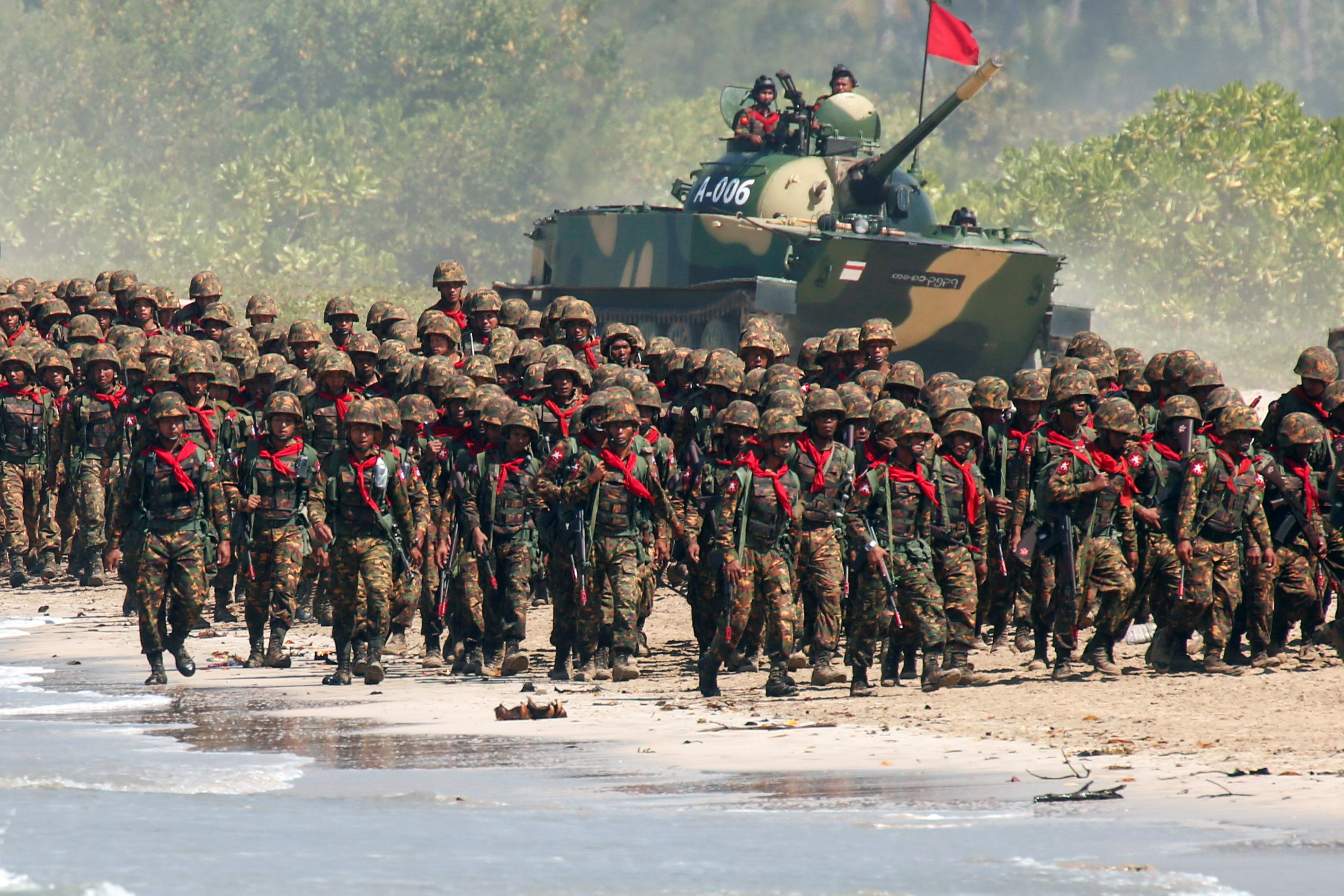 Myanmar military troops take part in a military exercise at Ayeyarwaddy delta region in Myanmar, February 3, 2018. REUTERS/Lynn Bo Bo/Pool