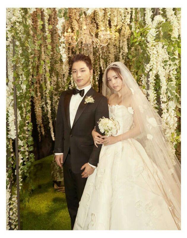 YG가 태양·민효린의 결혼사진을