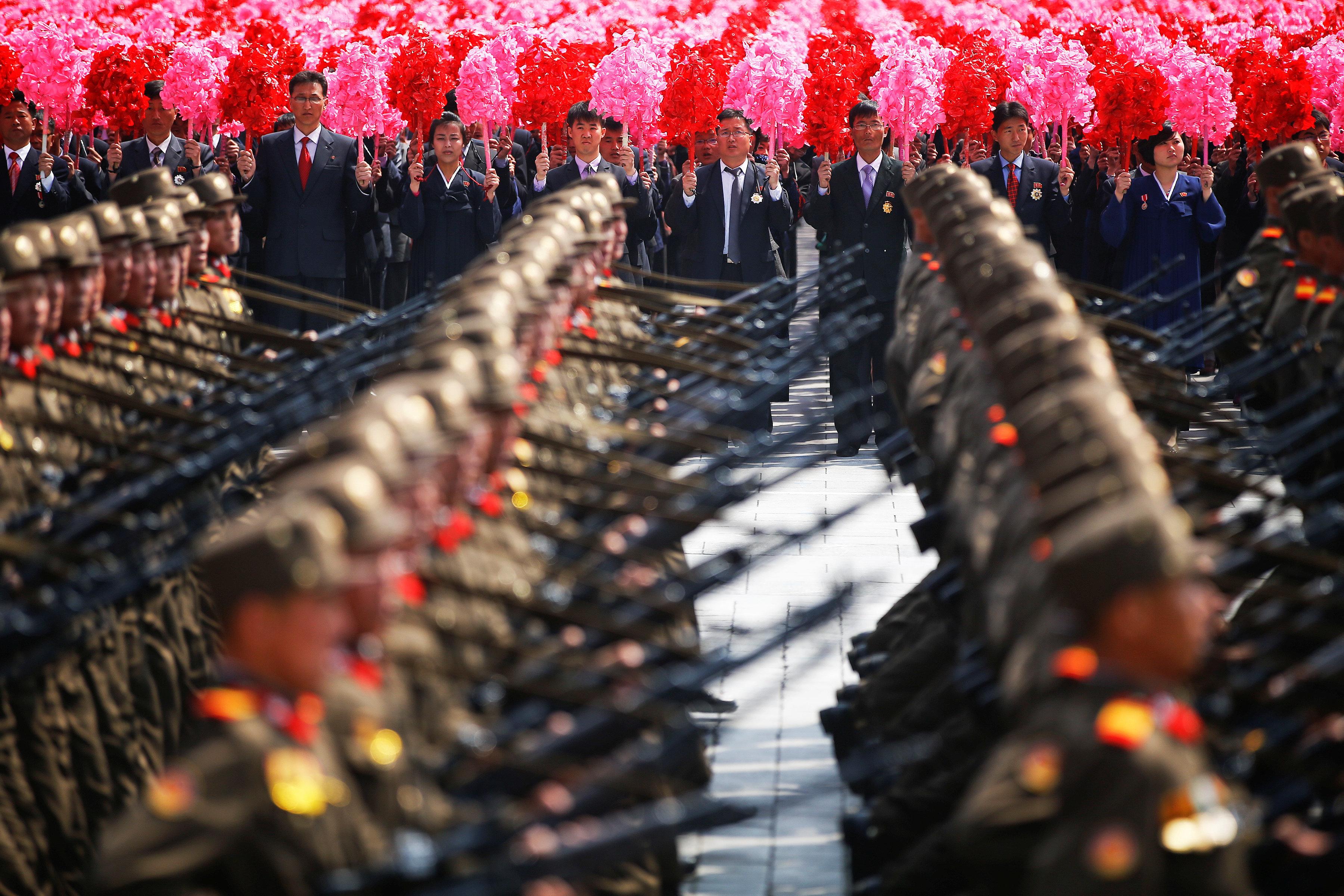 북한이 건군절 열병식 개최를