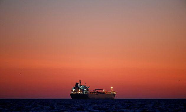 Αγνοείται στον Κόλπο της Γουϊνέας δεξαμενόπλοιο με πλήρωμα 22
