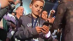이 소년이 슈퍼볼 시청자들의 시선을