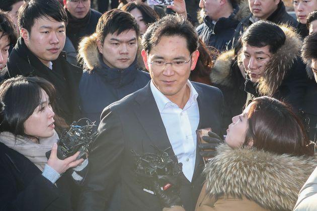 이재용 부회장의 '집행유예' 선고 후, 홍준표 대표는 재판부를
