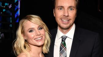 LOS ANGELES, CA - JANUARY 18:  Actors Kristen Bell (L) and Dax Shepard backstage at the People's Choice Awards 2017 at Microsoft Theater on January 18, 2017 in Los Angeles, California.  (Photo by Kevin Mazur/WireImage)