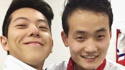 남북한 피겨 페어 선수들이 '셀카'를