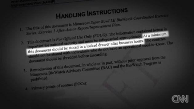 CNN 직원이 여객기 좌석 등받이에서 '탄저균 테러 대책' 미국 정부 문서를 우연히