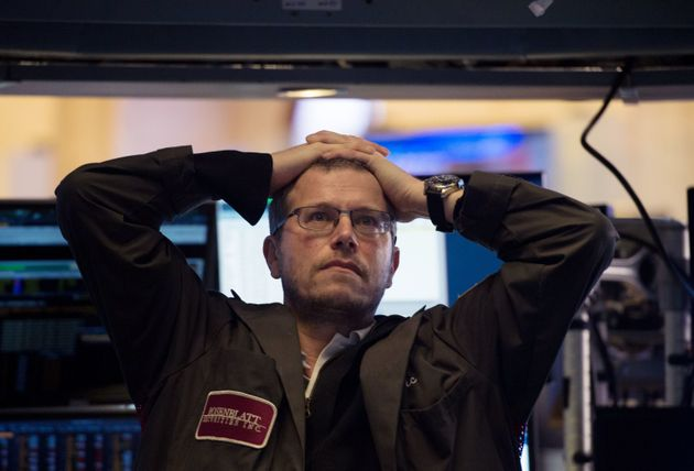 Wall Street: Έκλεισε με δραματικές απώλειες τη Δευτέρα, κατέρρευσε ο Dow Jones. Αναταραχή στις διεθνείς