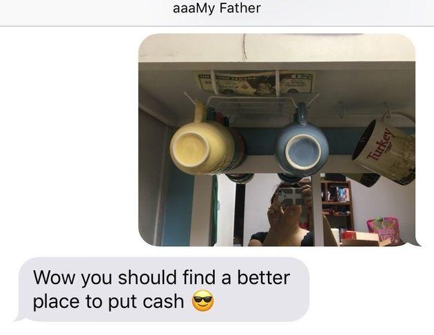 아빠는 딸의 집을 찾을 때마다 용돈을
