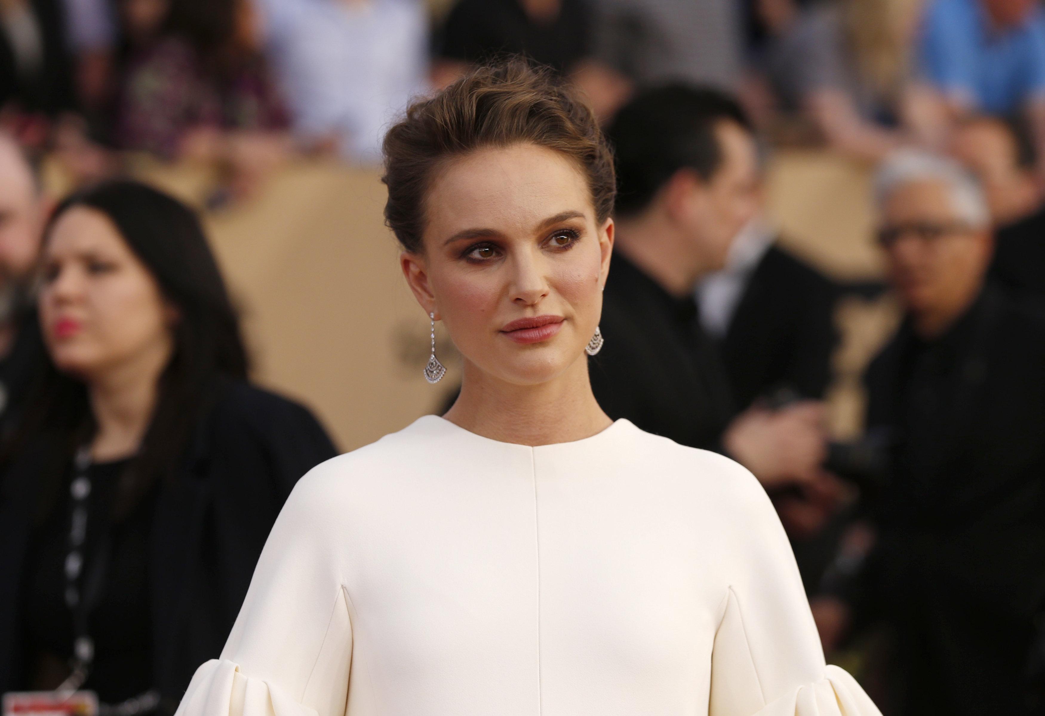 «Έχω 100 ιστορίες να διηγηθώ»: Και η Natalie Portman σπάει τη σιωπή