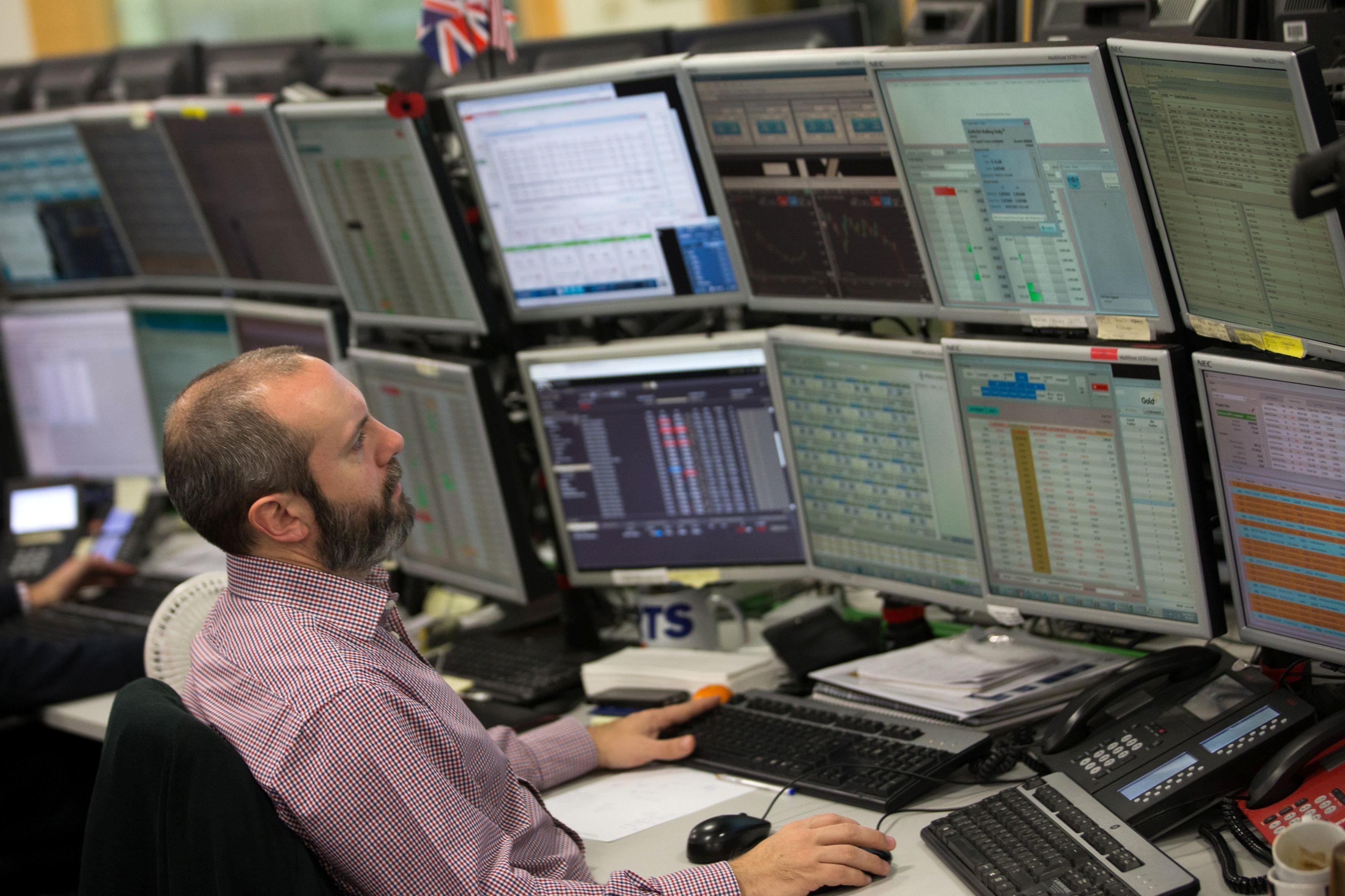 FTSE 100 Falls Almost 200 Points After Dow Jones' Huge Single-Day Drop