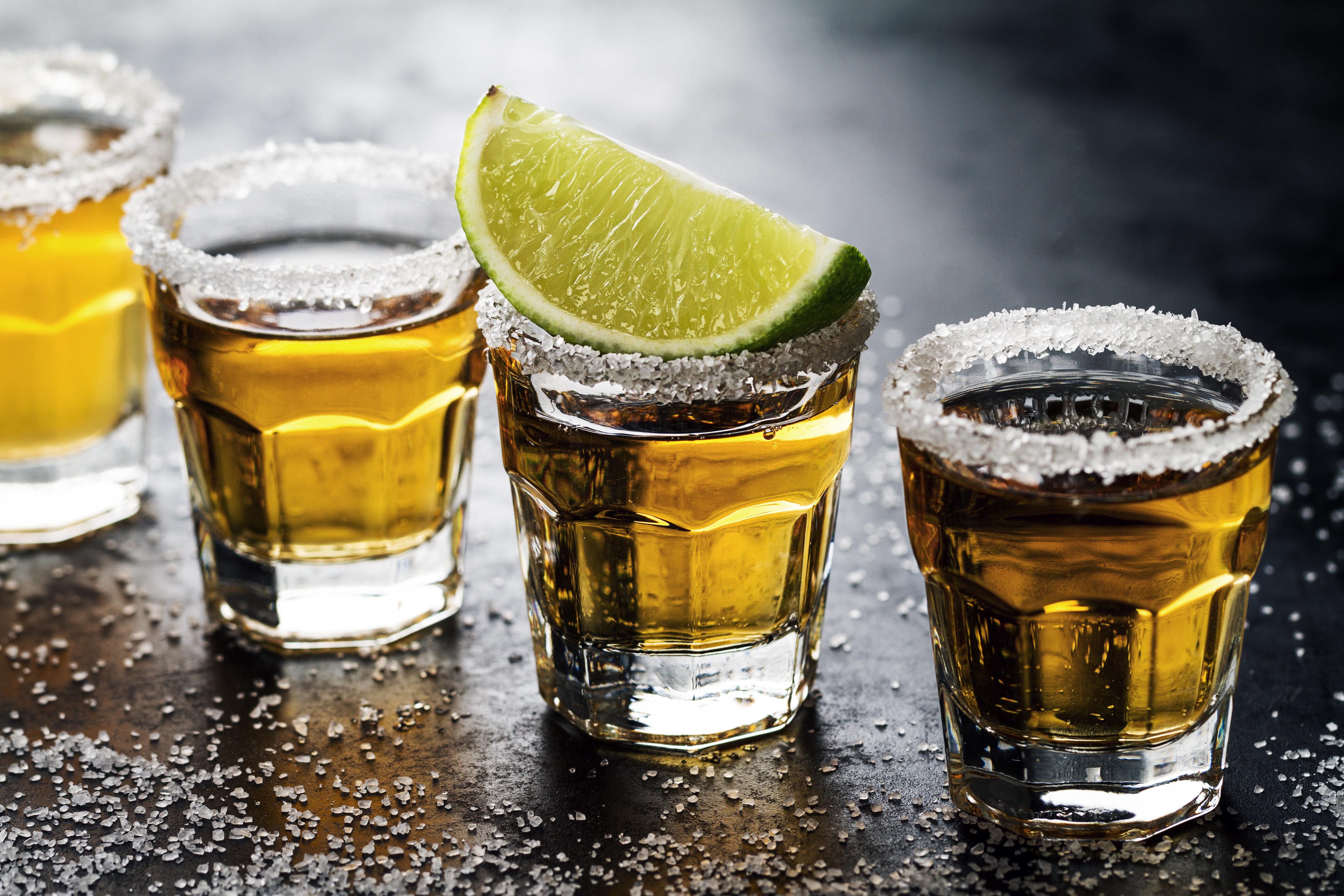 Παγκόσμια έλλειψη σε τεκίλα. Πίνουμε τόσο πολύ που η παραγωγή Αγαύης στο Μεξικό δεν μπορεί να καλύψει την