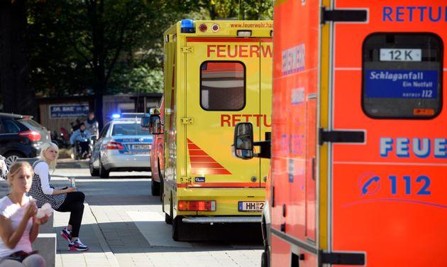 Γερμανία: Μασκαράδες έριξαν 18χρονη κοπέλα σε καυτό