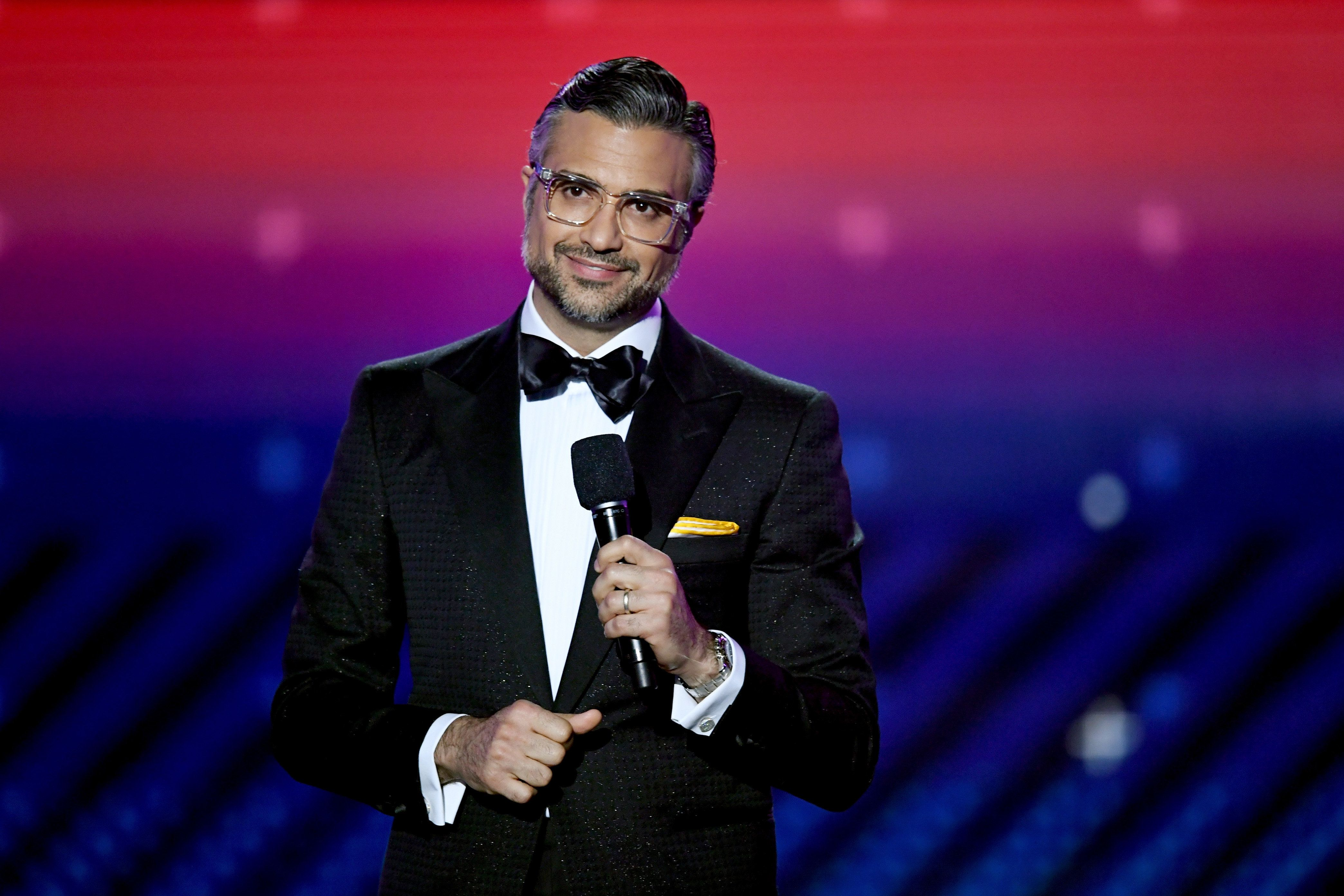 LAS VEGAS, NV - NOVEMBER 16:  Host Jaime Camil speaks onstage at the 18th Annual Latin Grammy Awards at MGM Grand Garden Arena on November 16, 2017 in Las Vegas, Nevada.  (Photo by Kevin Winter/Getty Images)