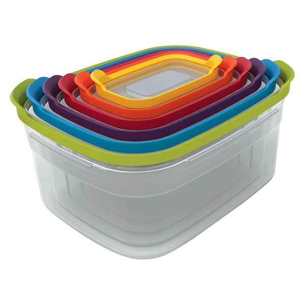 This 12-piece container set includes 6 nesting food storage containers, so they don't take up precious storage space. Get the