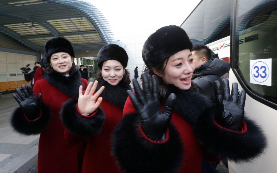 [화보] 북한 응원단·태권도 시범단이