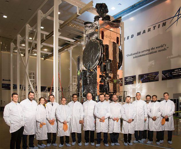 Στην «καρδιά» της Lockheed Martin όπου κατασκευάζεται ο νέος Hellas Sat 4 ο Νίκος Παππάς με τον Υπουργό...