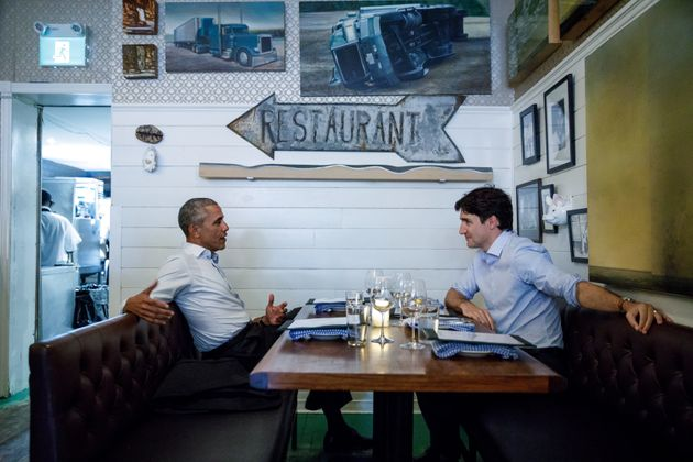 An Old Photo Of Barack Obama And Justin Trudeau Is Breaking The