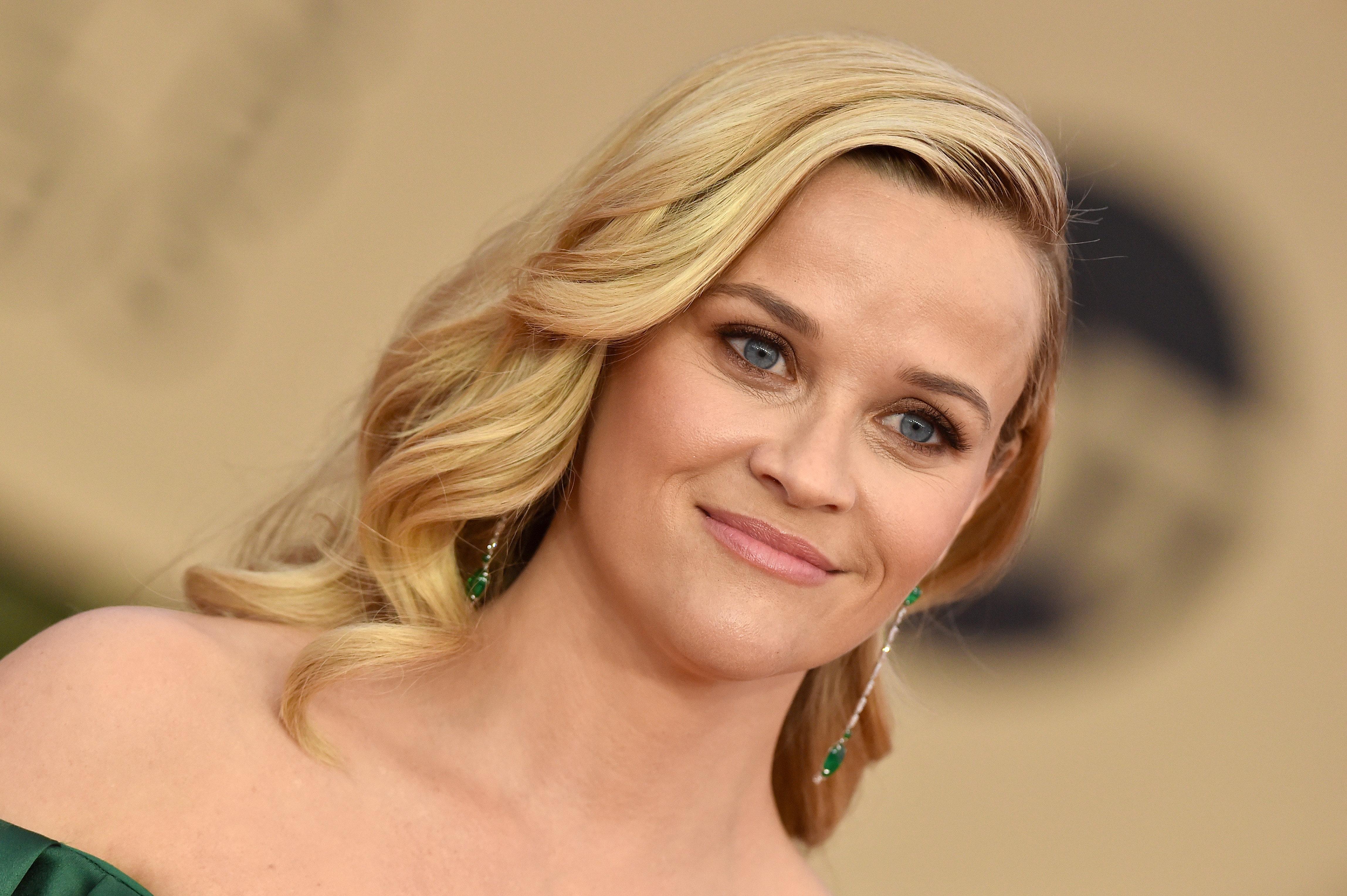 Η Reese Witherspoon εξομολογείται στην Oprah πως μια βίαιη σχέση την άλλαξε ως