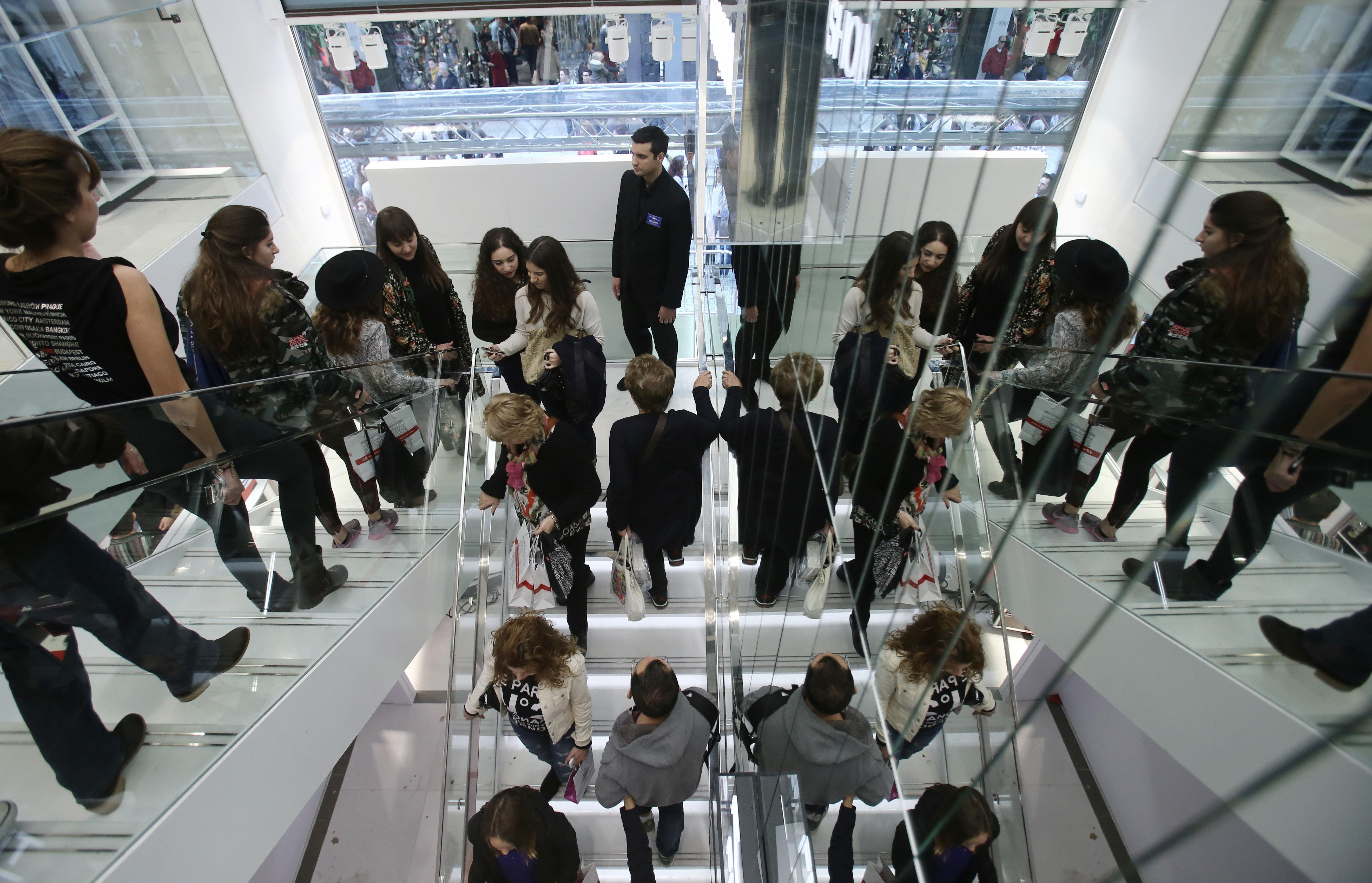 Κομισιόν: Στο 2,5% η ανάπτυξη της ελληνικής οικονομίας το 2018 και το