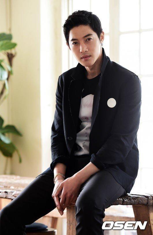 김현중 전 여친이 '사기미수'로 벌금형을