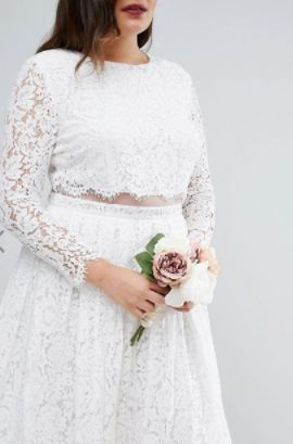 How To Wear The Nearly Naked Wedding Dress Trend On Your Special