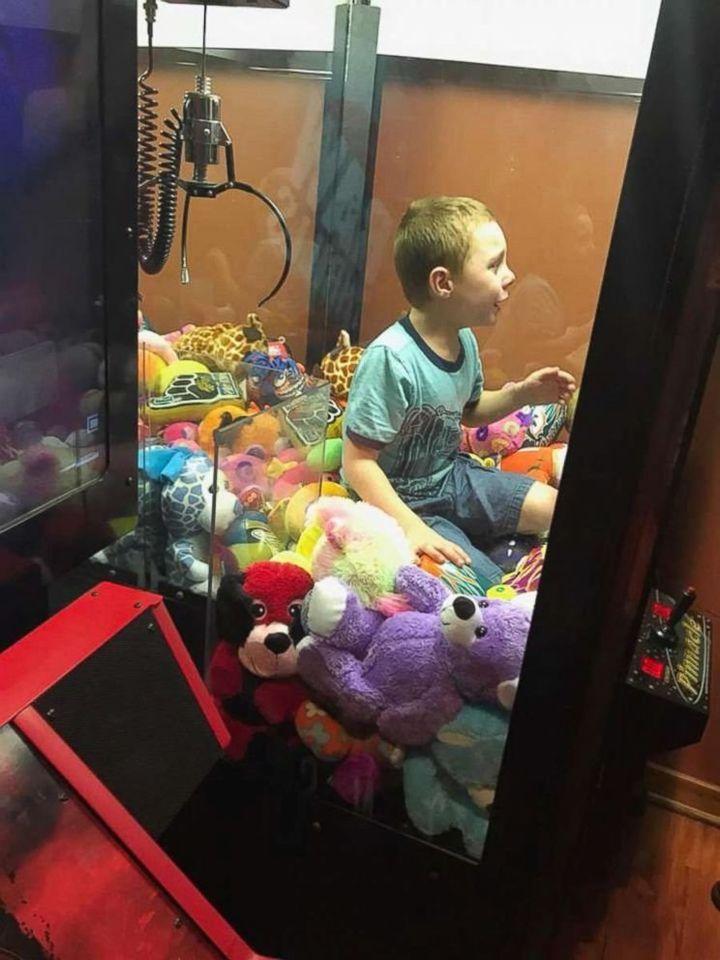 Mason got himself stuck in a claw machine in Titusville, Florida.