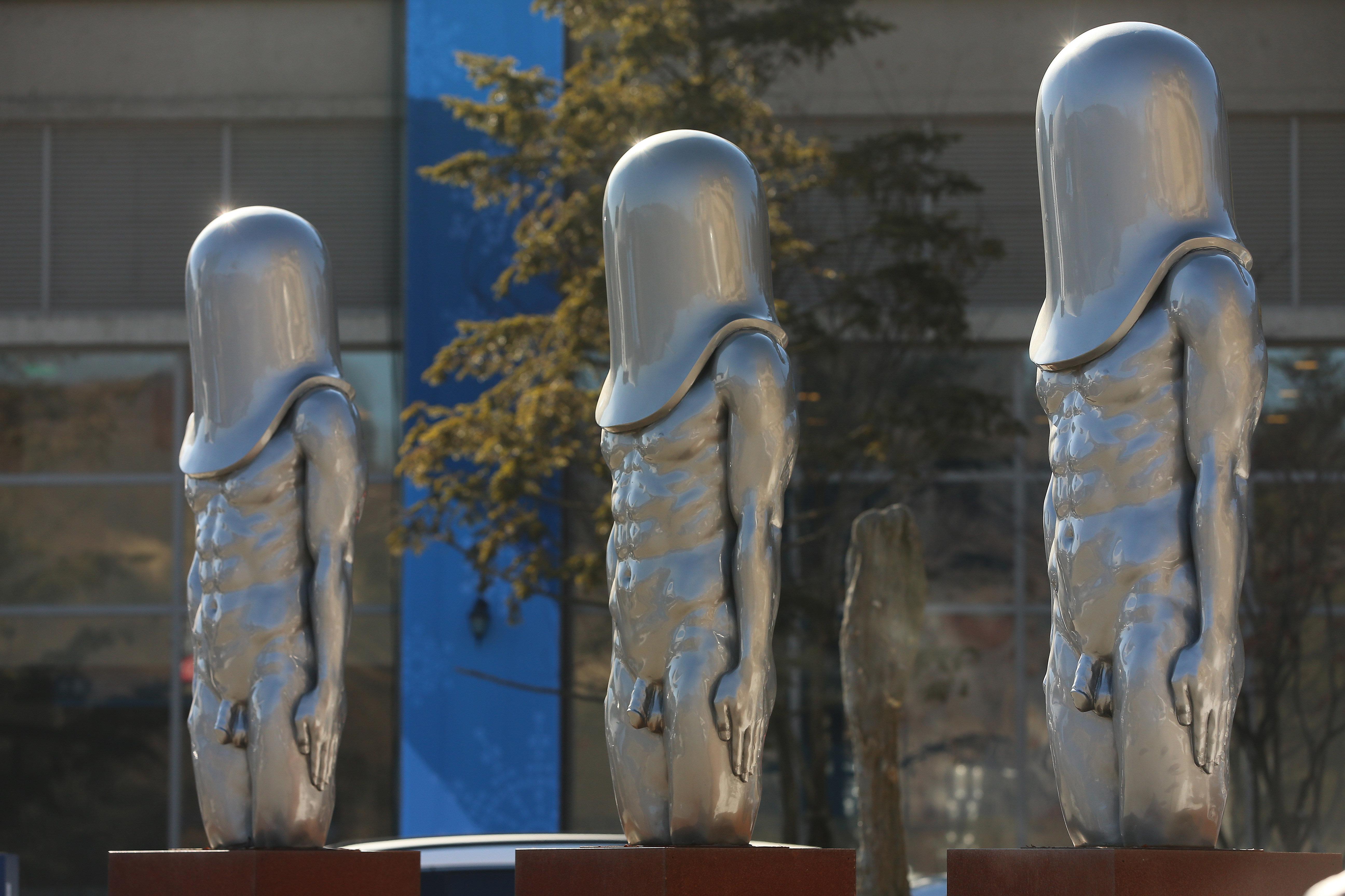 일본 SNS 유저들에게 평창 올림픽 프레스센터의 동상이 화제가