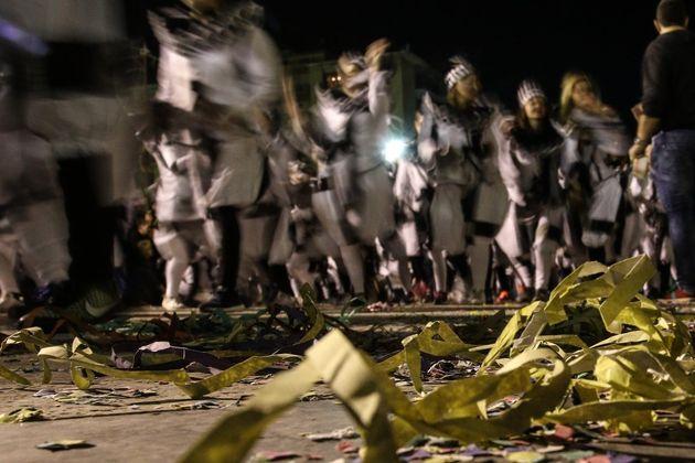 Παρ' ολίγο τραγωδία στο καρναβάλι της Λεμεσού: Οδηγός μαχαίρωσε και παρέσυρε πεζούς που τον εμπόδιζαν...