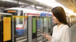 Έβγαζε selfie στις ράγες του τρένου στην Μπανγκόγκ και την παρέσυρε ο
