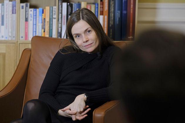 Λίγα λόγια τη νεότερη πρωθυπουργό της Ευρώπης Katrín Jakobsdóttir που συγκρίνει τη μυθιστοριογραφία του...