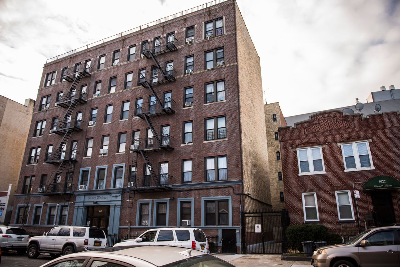 The building at 1030 Carroll Street, in Crown Heights, has been a source of health and housing controversy since landlord Ephraim Fruchthandler bought the property in 2014.