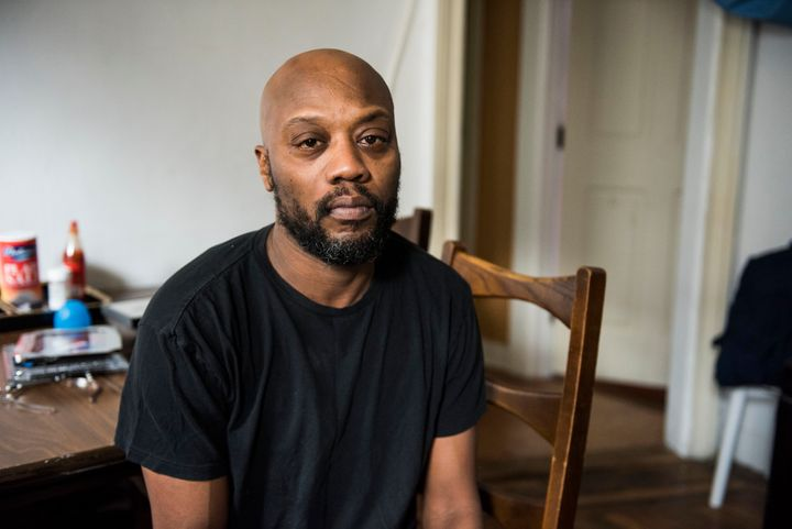 John Sykes, who grew up in the 1030 Carroll Street building, and now lives there with his two daughters, ages 16 and 5,filedfour lead paint violations in his unit, according toDepartment of Housing Preservation & Development records.