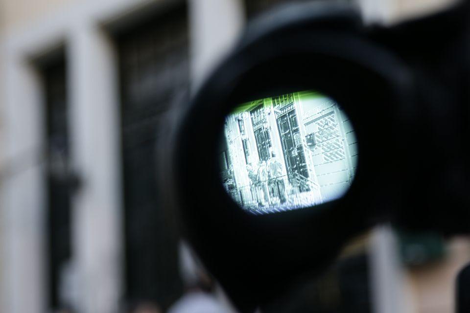 Πώς και γιατί τα ΜΜΕ παραβίασαν τον κώδικα δεοντολογίας τα χρόνια της