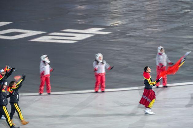 전 세계가 평창 '논스탑 댄스' 자원봉사자들에 찬사를