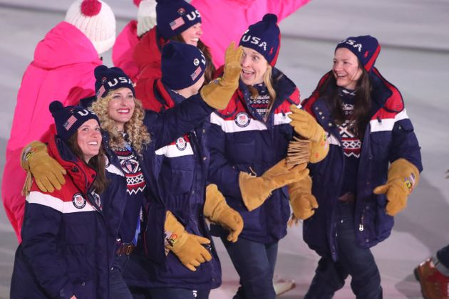 2020 Winter Olympic Memes.Team Usa S Dumb And Dumber Gloves Are Now An Olympic Meme