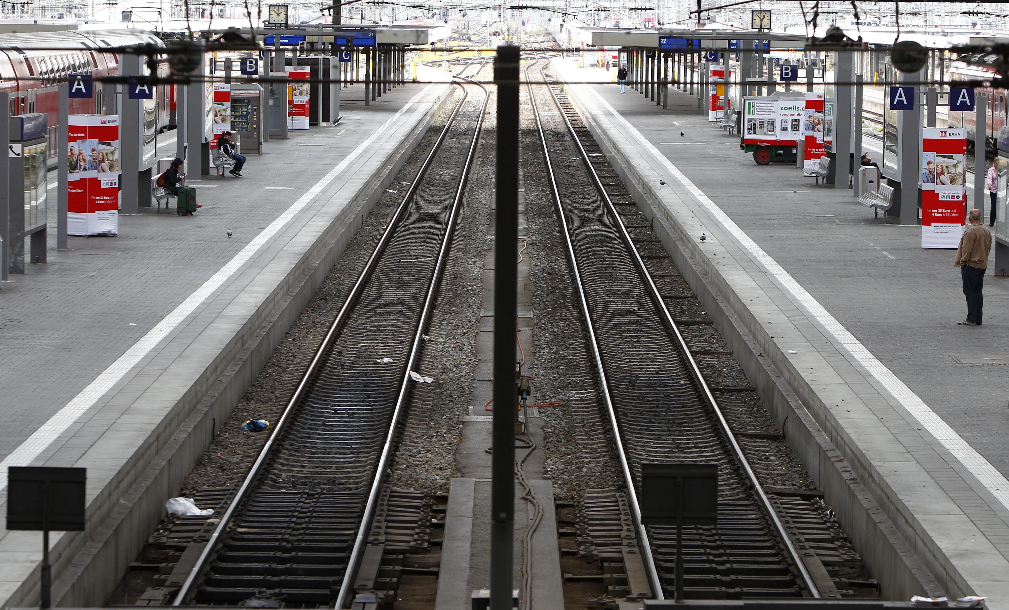Grausamer Verdacht: Kölner Polizist mit Absicht vor Straßenbahn gestoßen