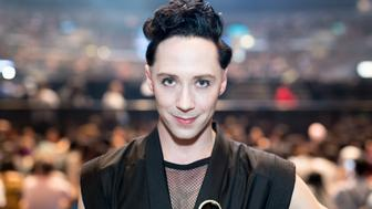 LOS ANGELES, CA - AUGUST 19:  Figure Skater Johnny Weir attends the KCON 2017 concert held at the Staple Center at KCON 2017 on August 19, 2017 in Los Angeles, California.  (Photo by Greg Doherty/Getty Images)