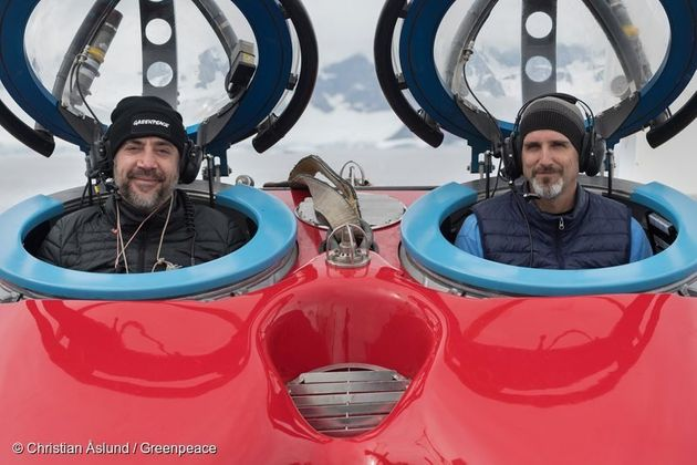 Actor Javier Bardem about to take the plunge with submersible pilot John