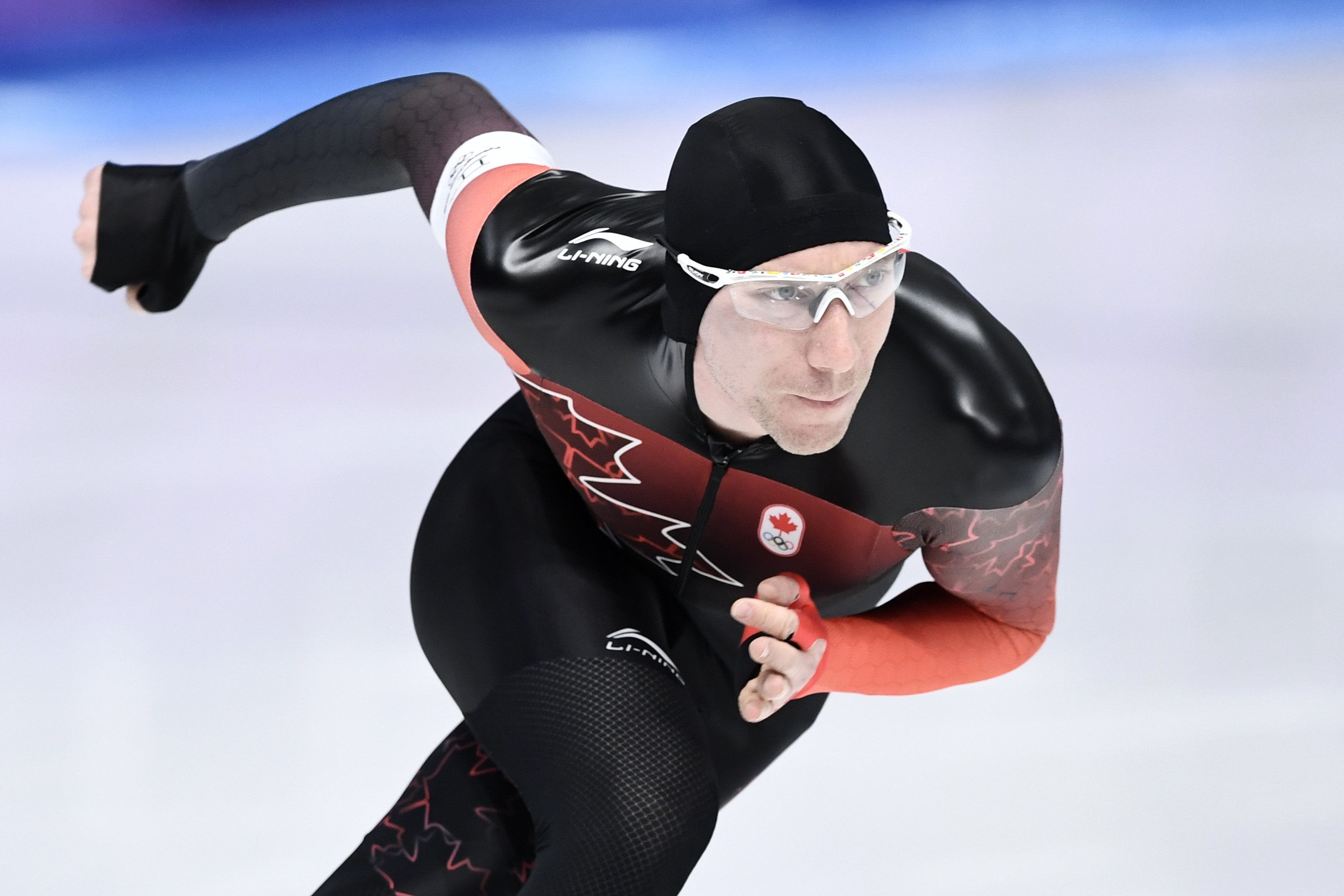 Canada's Ted-Jan Bloemen competes during the men's 5,000m speed skating event during the Pyeongchang 2018 Winter Olympic Games at the Gangneung Oval in Gangneung on February 11, 2018. / AFP PHOTO / ARIS MESSINIS        (Photo credit should read ARIS MESSINIS/AFP/Getty Images)
