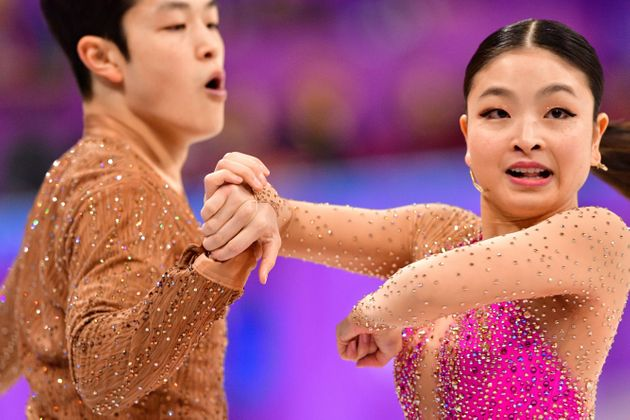 U.S. siblings Alex and Maia Shibutani were the picture of togetherness during their routine on